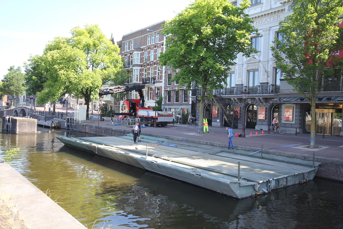 Vouwpontons drijvend terras Carré Amsterdam